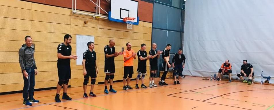 TSV Hanau Volleyballer fahren ersten 3:0 Sieg ein